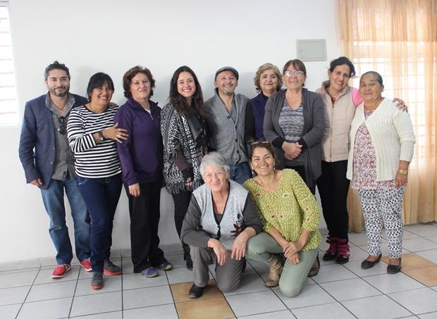 Directora Reg. Cultura con vecinas de Villa Los Salares