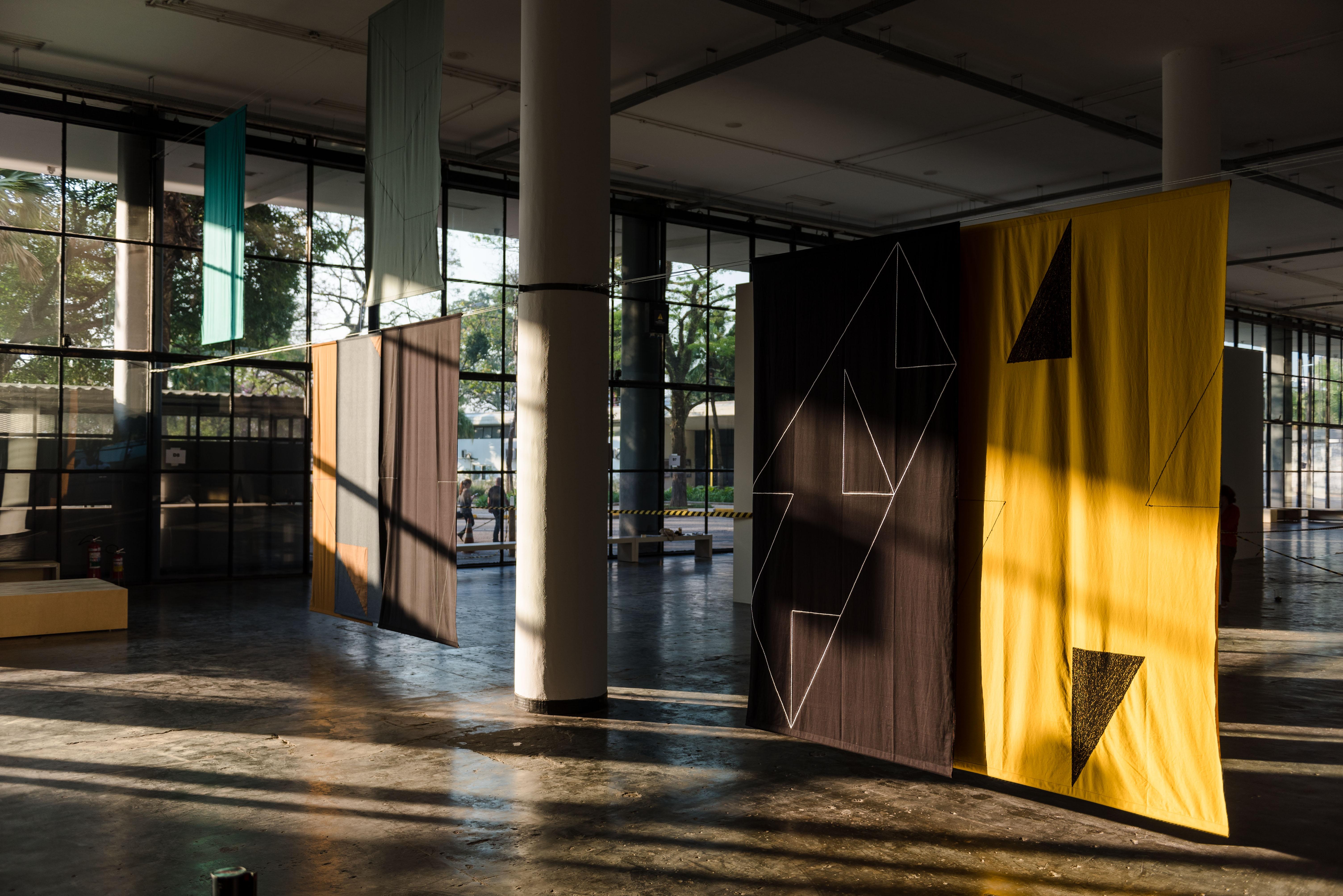 Obra de Felipe Mujica durante a montagem da 32a Bienal de São Paulo 26/08/2016. © Leo Eloy / Estúdio Garagem/ Fundação Bienal de São Paulo.