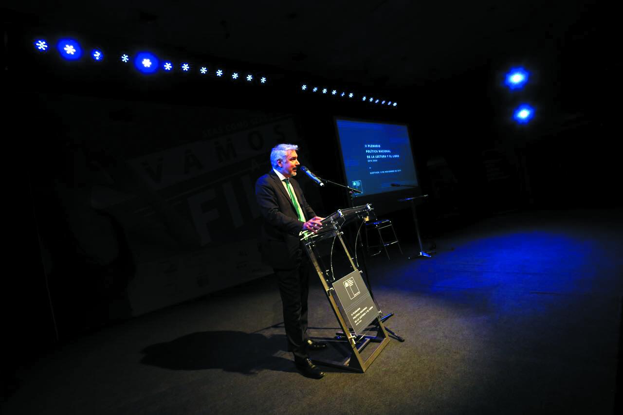 Ministro de Cultura encabeza el segundo Plenario de la Política Nacional de la Lectura y el Libro en FILSA