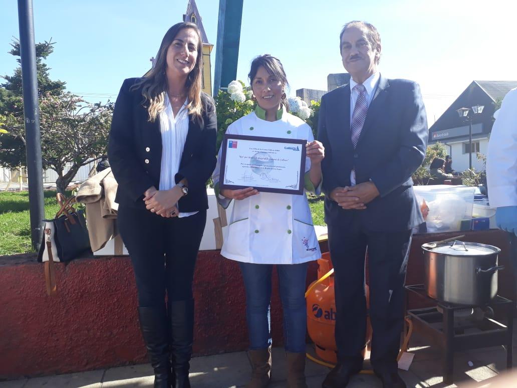 Con reconocimiento a la Red por Manos de Mujer de Calbuco se celebra el Día  de la Cocina Chilena | Ministerio de las Culturas, las Artes y el Patrimonio
