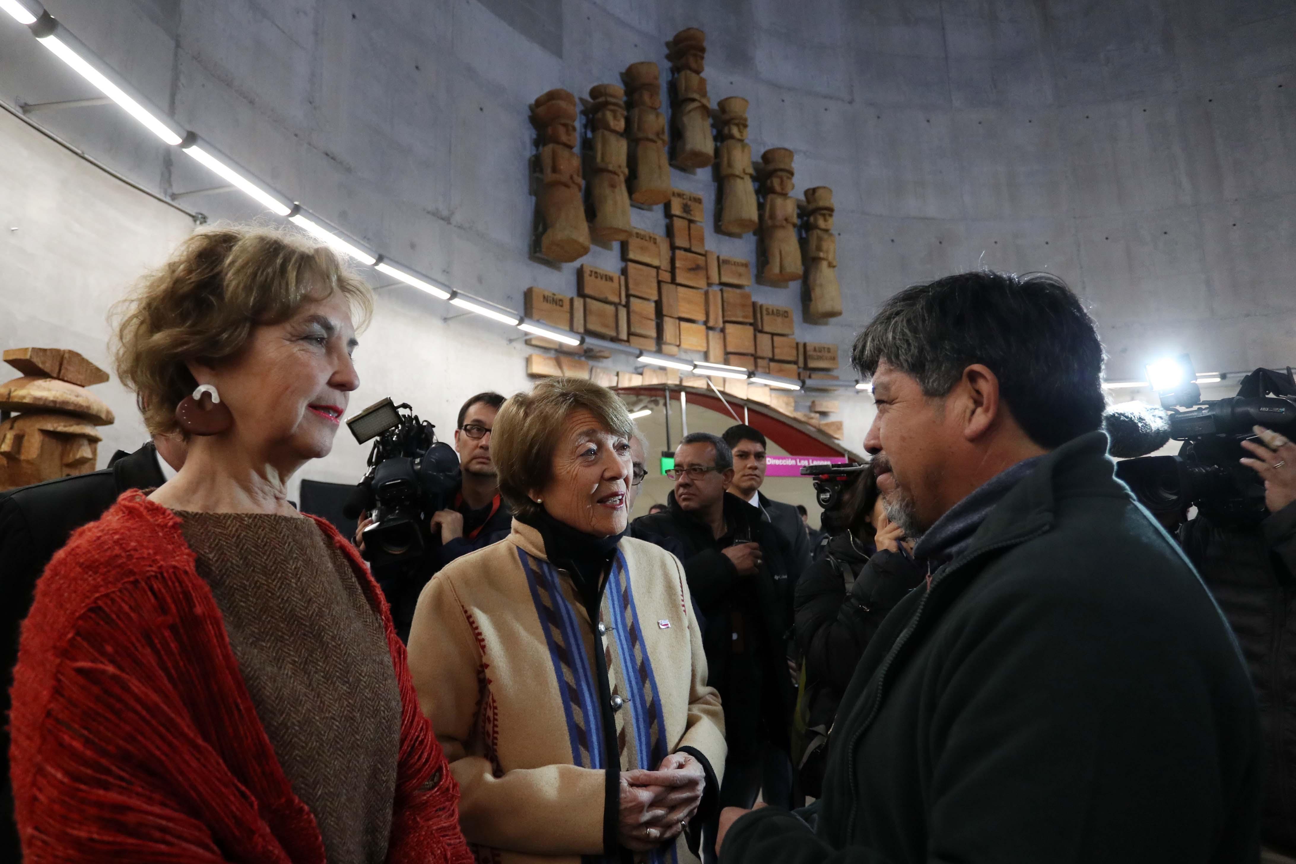 Ministra de las Culturas celebra Día Nacional de los Pueblos Indígenas con la inauguración de dos exposiciones